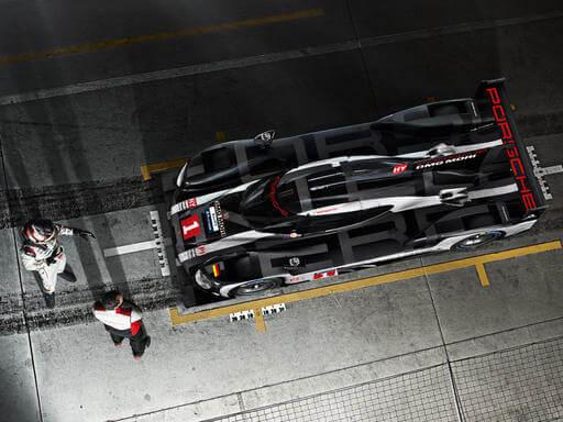 Misja: samochód sportowy przyszłości.